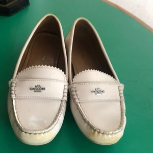 Coach Cream Colored Leather LoaferFlats. Sz 7